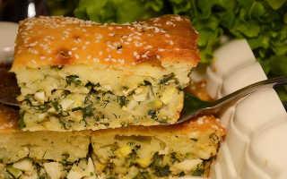Жидкий пирог с зеленым луком и яйцом